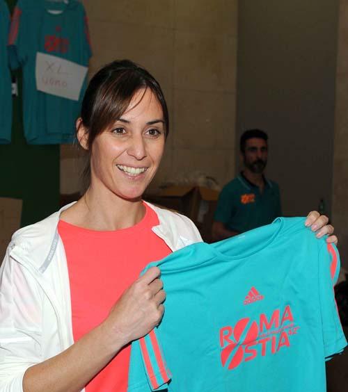 Flavia Pennetta con la maglia della 42^ RomaOstia (Foto   Tedeschi)