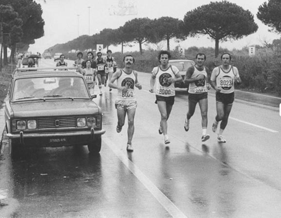 patron Luciano Duchi (con il pettorale 8000)  in gara alla  romaostia 1974
